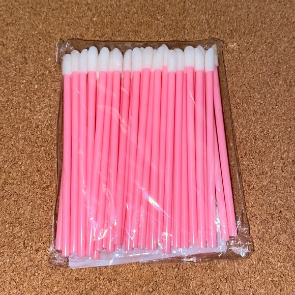 Gloss wands 10/$10🦄